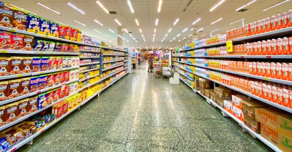 cross-merchandising-o-que-é-e-como-é-usado-no-varejo-anuncio-de-novos-produtos